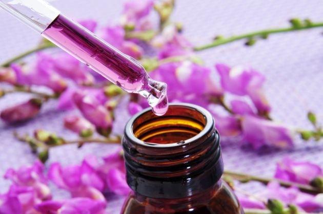 il-massaggio-con-i-fiori-di-bach